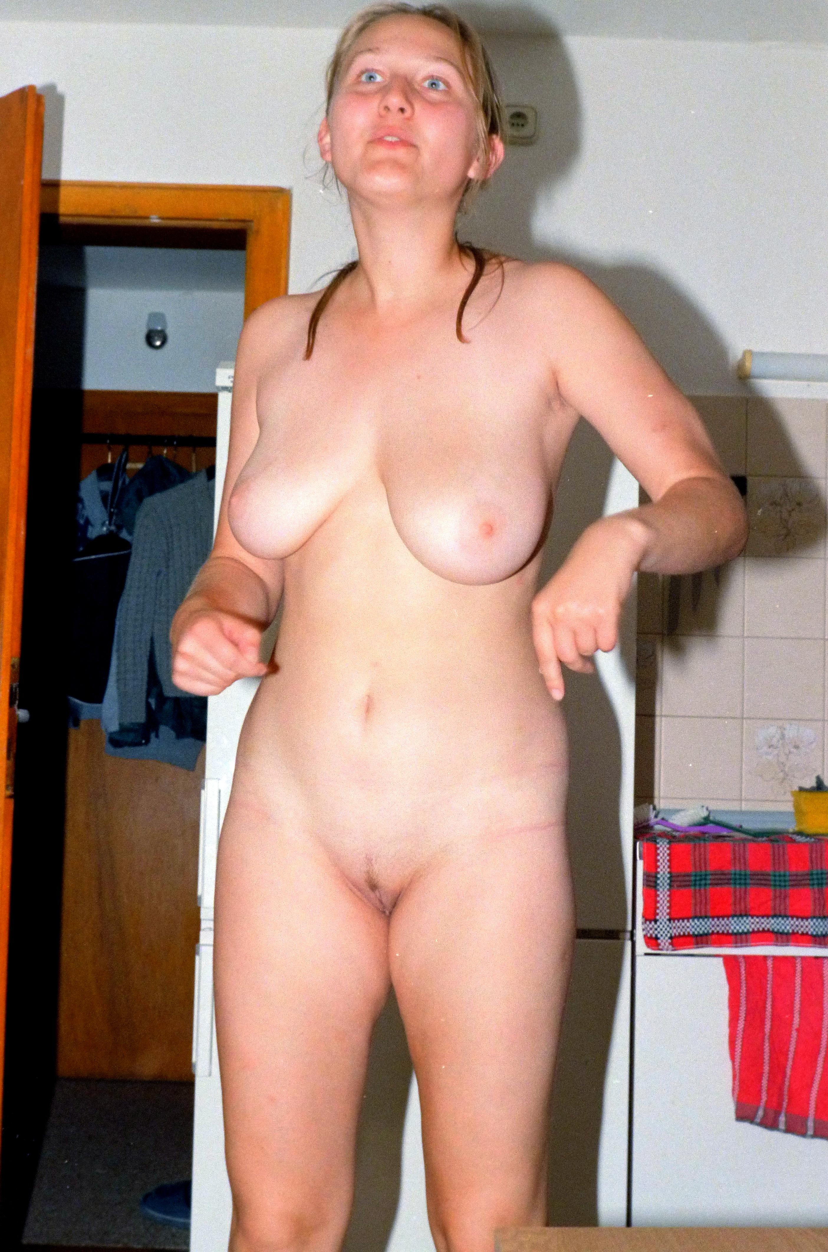 Jung und nackt com