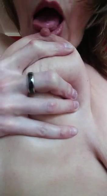 nippl lecken bild