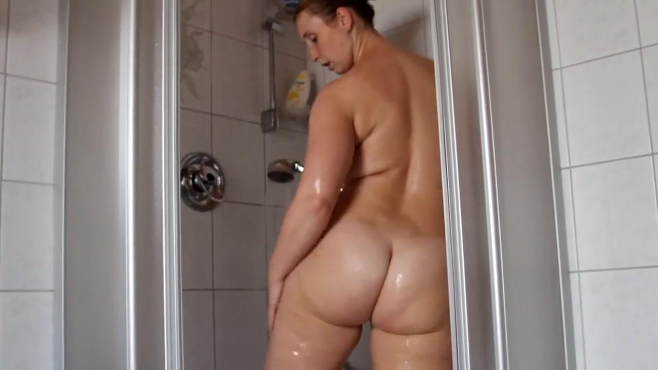 Dusche frauen der nackt in Sexy Mädchen